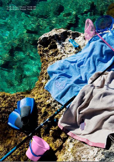 Toallas y bolsas de playa textura kids viajes con peques - Zara home almeria ...