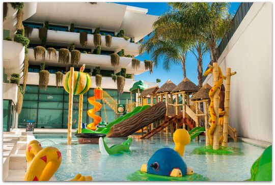 Hoteles para ni os for Hoteles con habitaciones familiares en benidorm